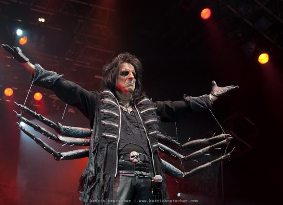 Alice Cooper at Queen Elizabeth Theatre
